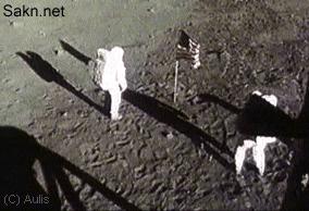 . أكذوبة هبوط الإنسان على القمر . [فضيحة تاريخية]